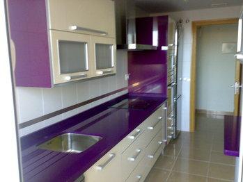 Tipos de encimeras de cocina modelos colores silestone for Colores marmoles cocina